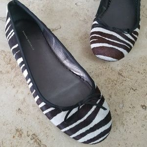 Banana Republic zebra print flats sz8.5